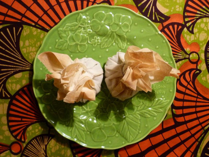 Trouxas de massa filo com tofu