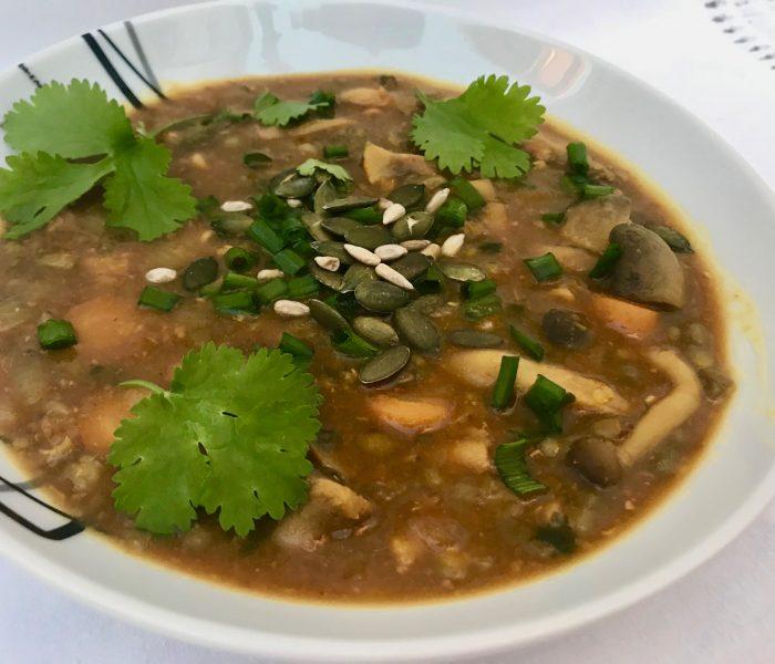 Sopa de lentilhas e cogumelos com miso